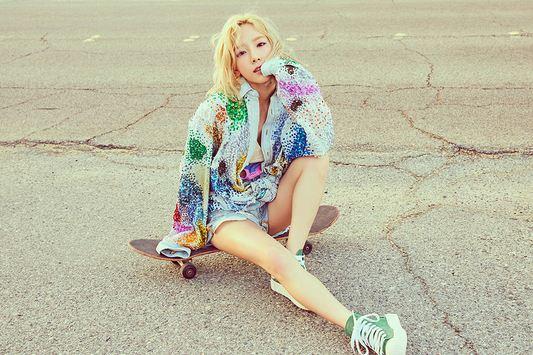 snsd_taeyeon_why_starlight_fashion_makeup_hairstyels