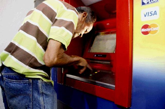 Venezuela sin efectivo y los cajeros automáticos caen a mínimos de 7 años