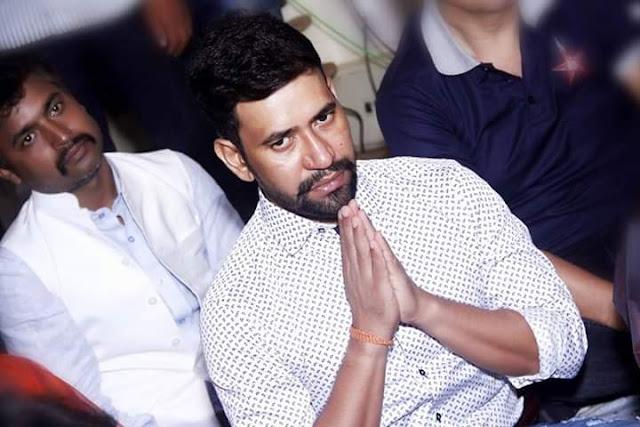 Dinesh Lal Yadav 'Nirahua' at the Patna Junction Bhojpuri Movie Muhurat