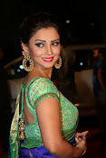 adaa khan latest sizzling pics-thumbnail-1