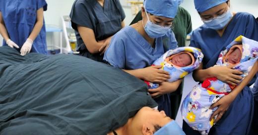 Nacen gemelos vietnamitas, pero son de diferente padre