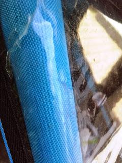 Risse im Kunststoff - Thule Chariot Coaster Kinderfahrradanhänger