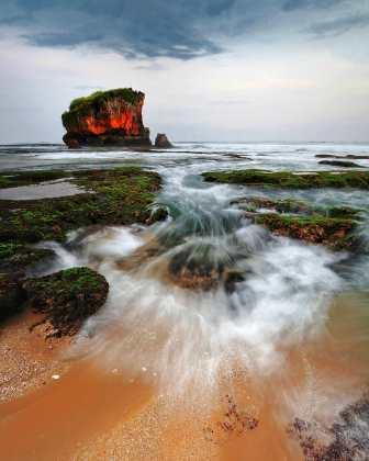 Pesona Pantai Kukup Jogjakarta