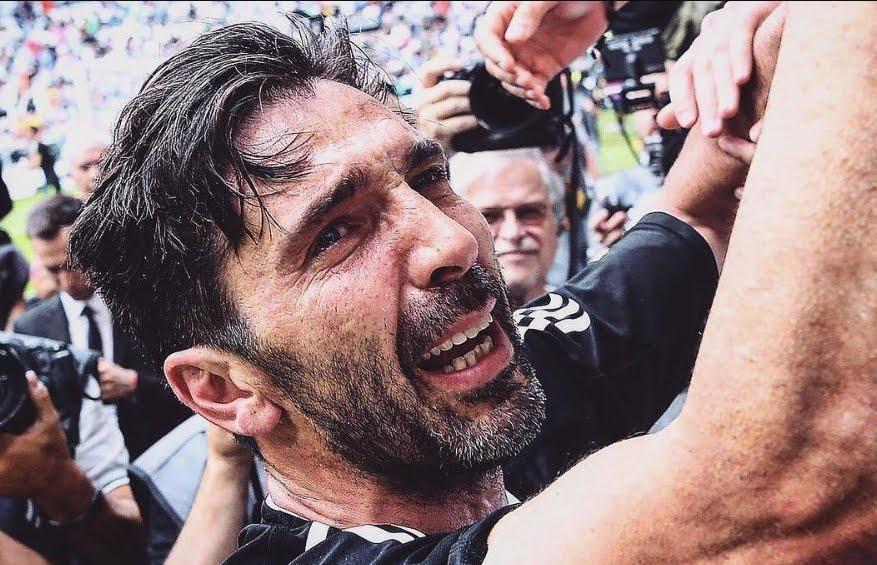 Lacrime allo Stadium per Gigi Buffon, la leggenda della Juventus saluta i suoi tifosi