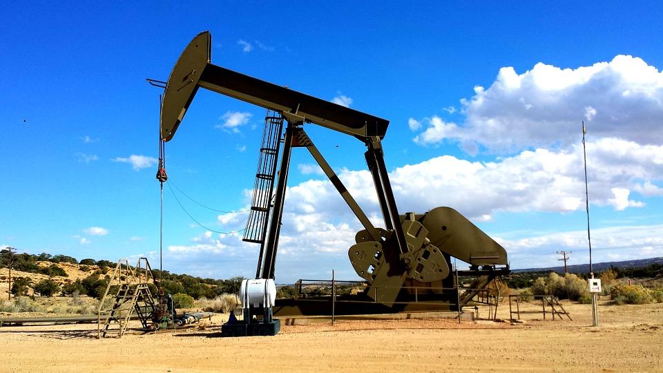 """Czy """"Nafta znowu zmieni świat"""" ?"""