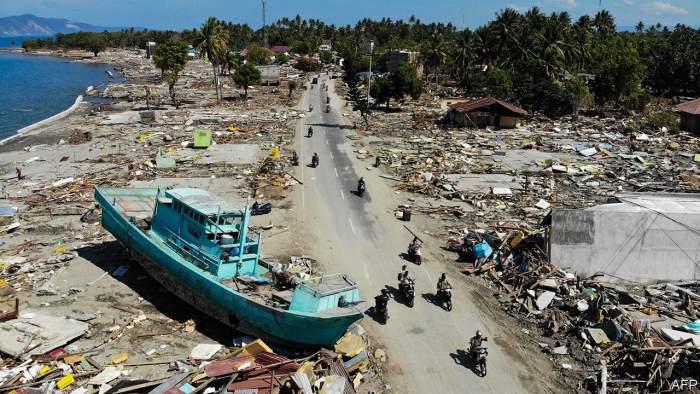 tsunami paling dahsyat
