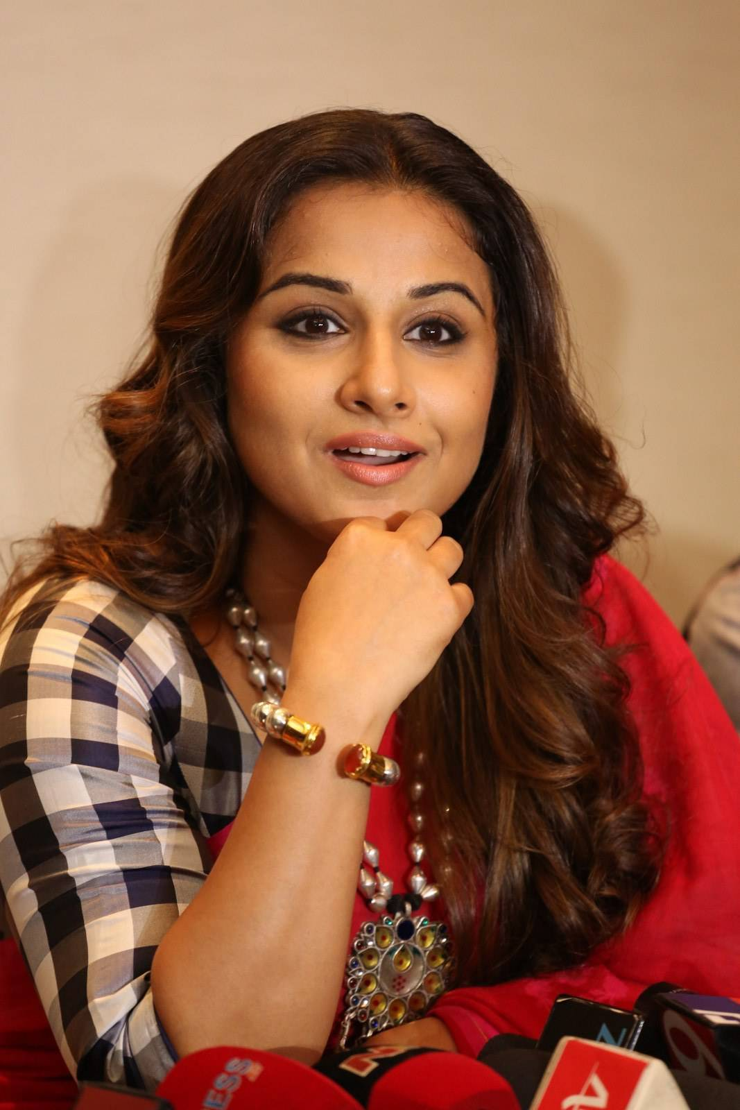 Vidya Balan Latest Photos In Red Saree
