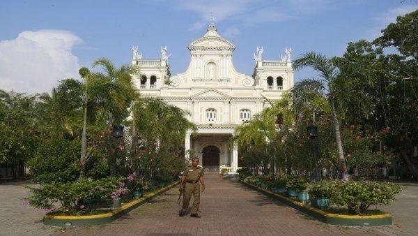 Iglesia Católica suspende misas por ataques en Sri Lanka