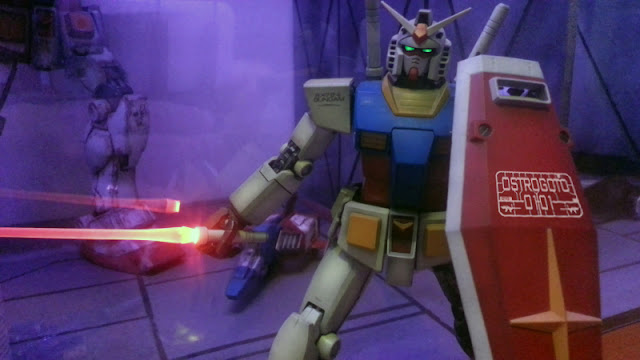 Beam-saber-led-on-RX-78-2