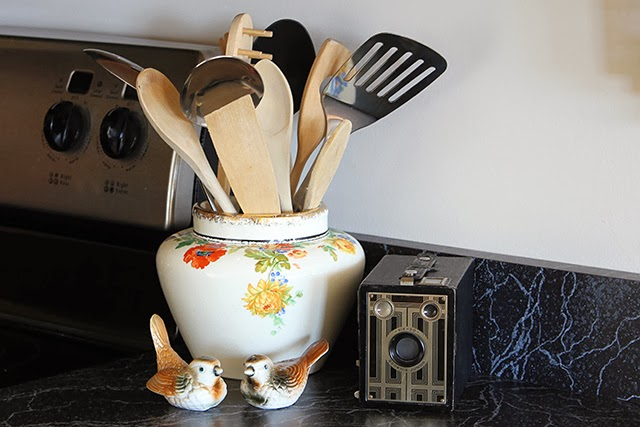 Vintage eclectic kitchen tour @ houseofhawthornes.com