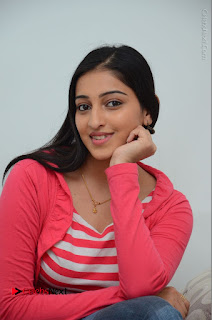 Telugu Actress Mouryani Latest Pos in Blue Denim Jeans  0185.JPG