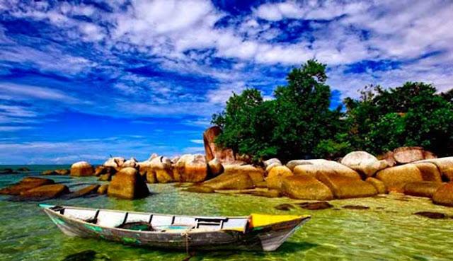 yaitu sebuah pulau kecil yang terletak sempurna di ujung timur bahari Sulawesi MENYELAM DI PULAU BANGKA, MINAHASA UTARA