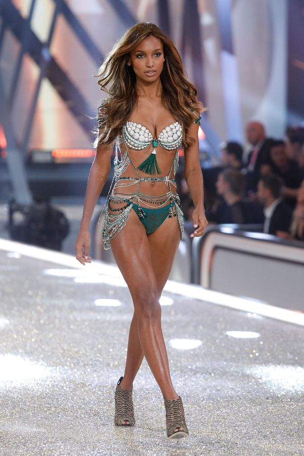 Jasmine Tookes dazzles in $3 million 2016 Victoria's ...