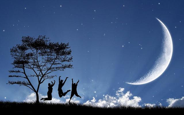 Blauwe achtergrond met drie mensen en de maan