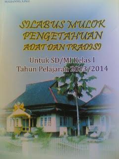 Silabus dan Buku Mulok Adat Dan Tradisi Kabupaten Sambas