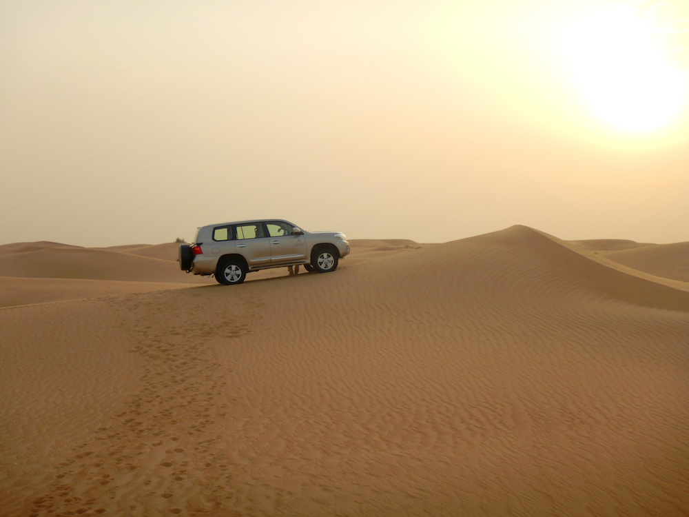 travel dune driving dubai