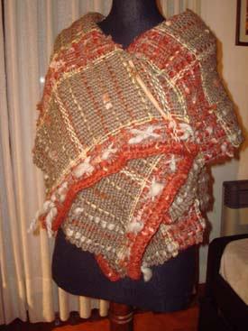Prendas tejidas en telar, crochet y dos agujas