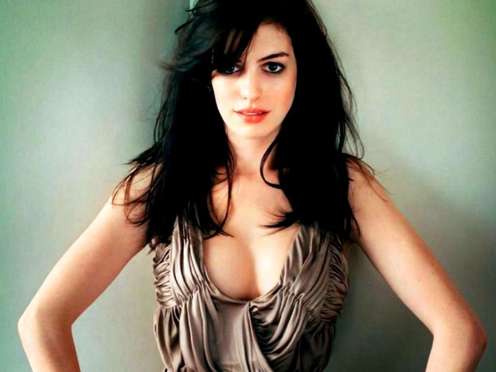 Anne Hathaway images sexy