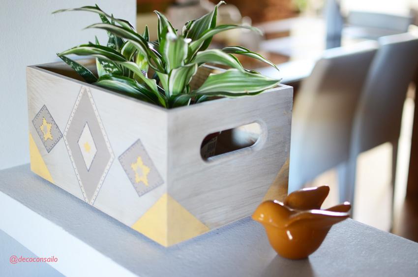 caja madera decorada con pintura a la tiza