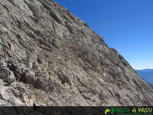 Base rocosa de Tiros Navarro