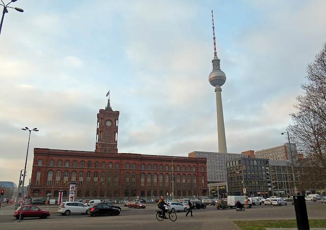 Berlín - Ayuntamiento y torre de la TV