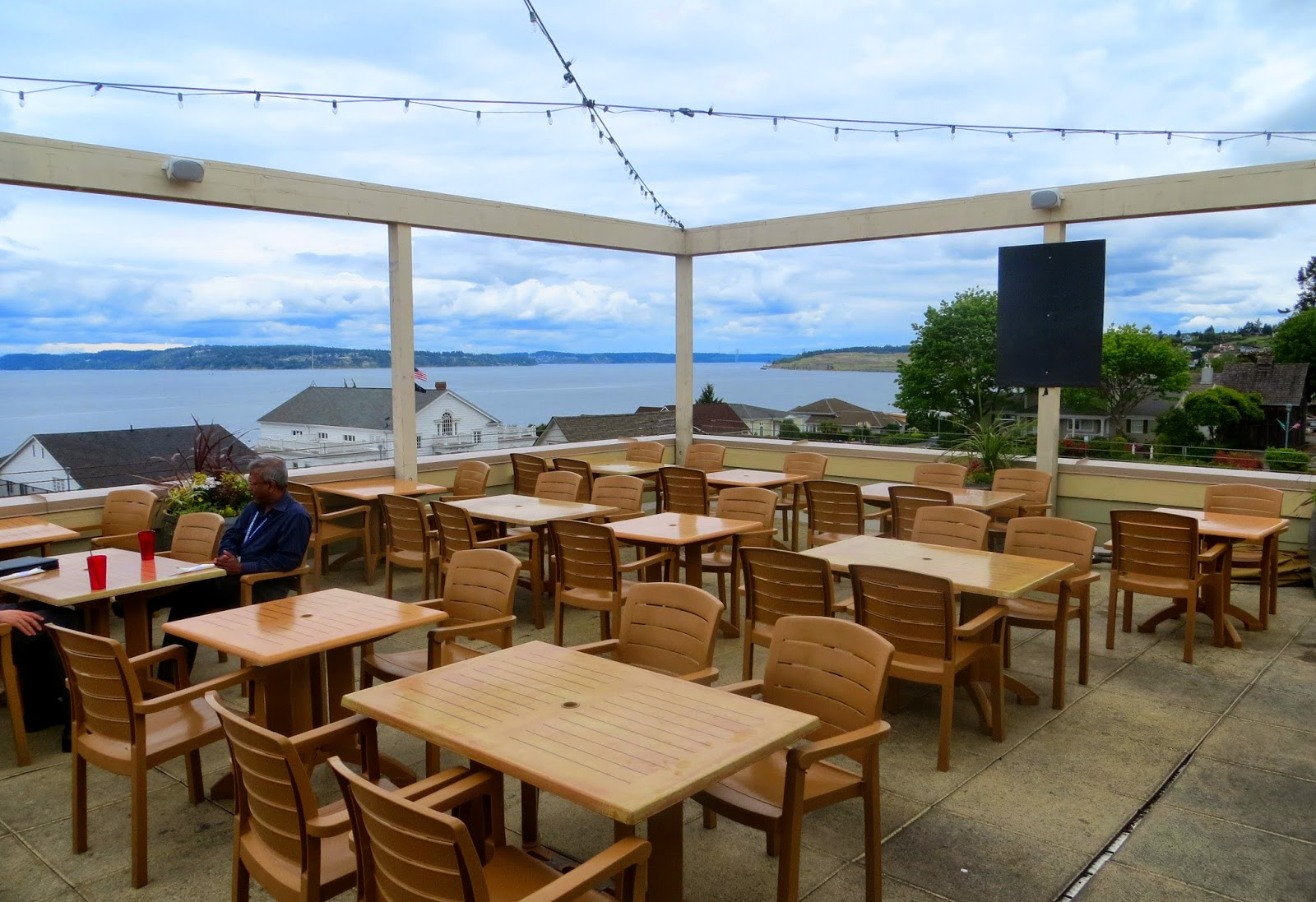 Seattlebars.org: #2164 - Topside Bar and Grill, Steilacoom ...