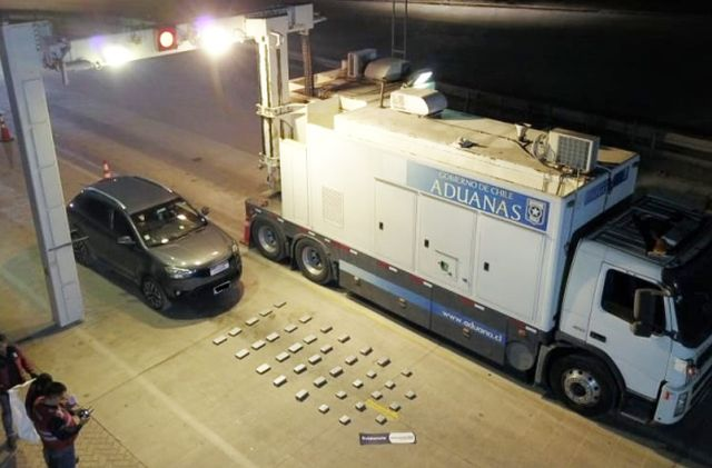 Aduanas detectó auto con 35 kilos de cocaína en Quillagua