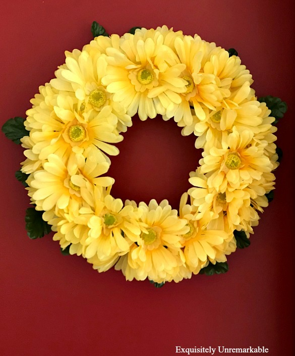 Yellow Daisy Wreath