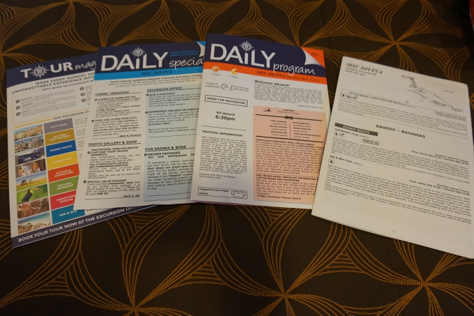 Karibian risteilyn ohjelmalehti, Daily program
