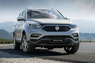 SsangYong Rexton (2018) Front Side