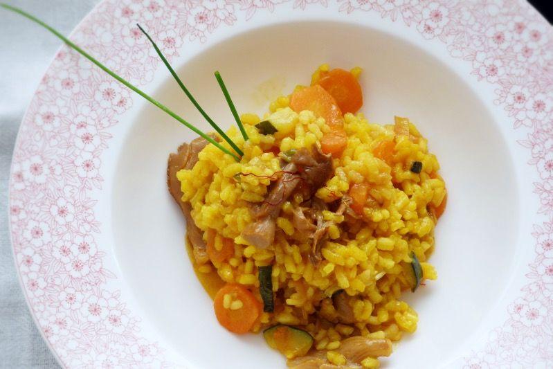 ración de arroz meloso con verduras y setas