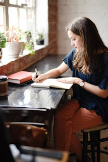Penyebab dan Cara Mengatasi Writer's Block / Catatan Adi