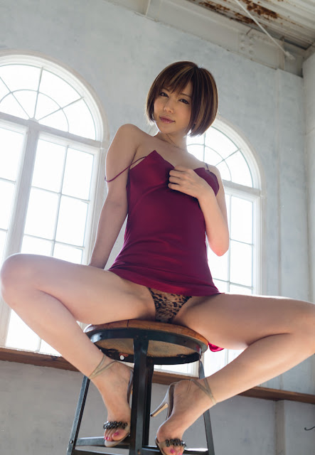 Satomi Yuria 里美ゆりあ Images 画像 05