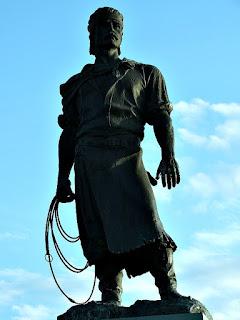 Estátua 'O Laçador', em Porto Alegre