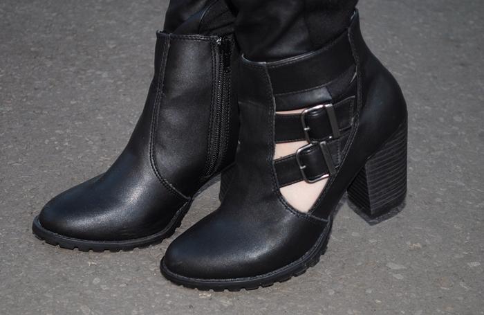 czarne botki na obcasie