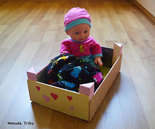 Transformar una caja de fruta en una cuna
