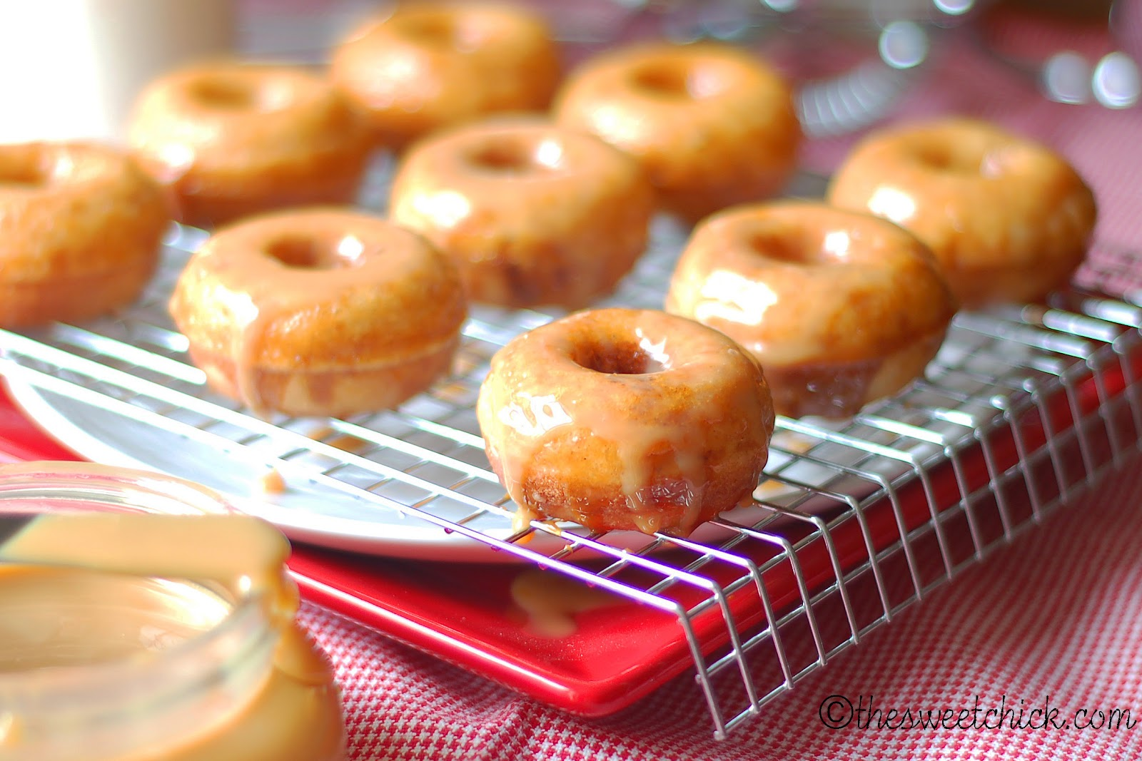 the sweet chick mini churro donuts with homemade dulce de leche. Black Bedroom Furniture Sets. Home Design Ideas