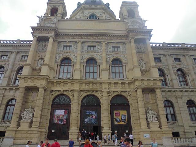 Museo de Historia Natural (Naturistoriches Museum) (@mibaulviajero)