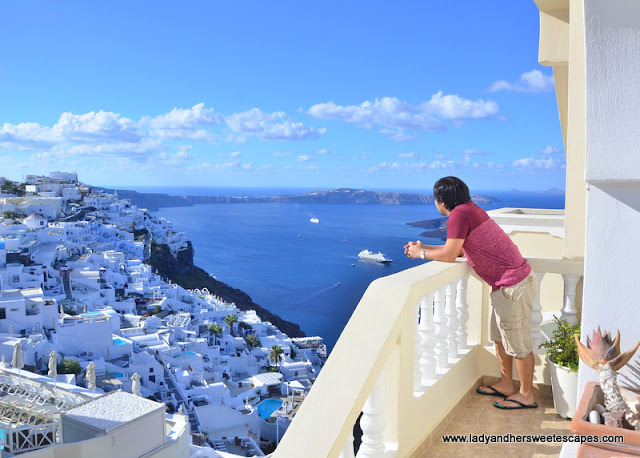 affordable hotel in Firostefani in Santorini