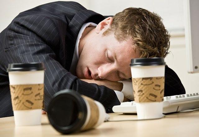 10 أسباب تشرح لماذا تشعر دائما بالتعب حتى بعد الرّاحة