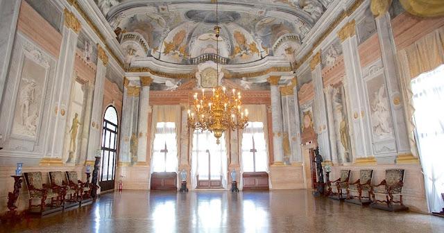 O que conhecer no Ca Rezzonico em Veneza