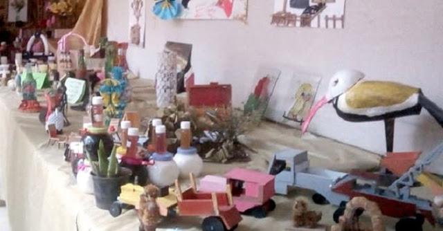 معرض بيئي يضم أعمال ومجسمات من توالف البيئة وتكريم عمال نظافة بالسويداء.