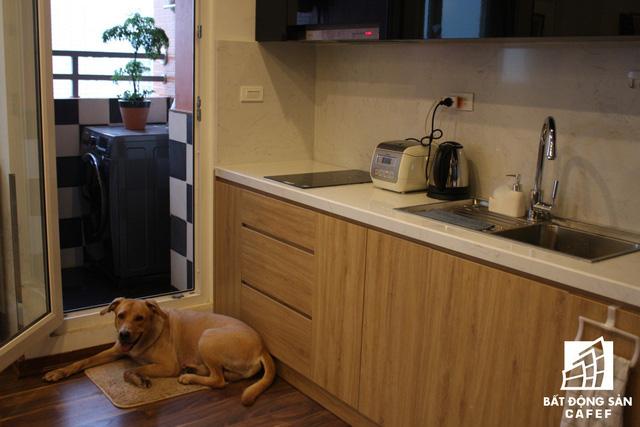 Logia được thiết kế cạnh bếp
