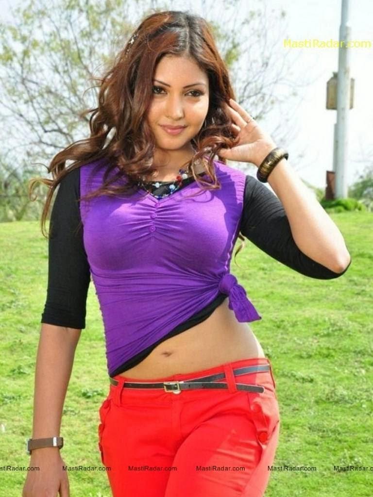 Sexy Girl Komal Jha Hot Photos in Tight Jeans
