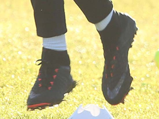 competitive price 75fac 87c68 Rashford Shows Off Unreleased Next-Gen Nike Hypervenom ...