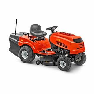 Rdeč vrtni traktor