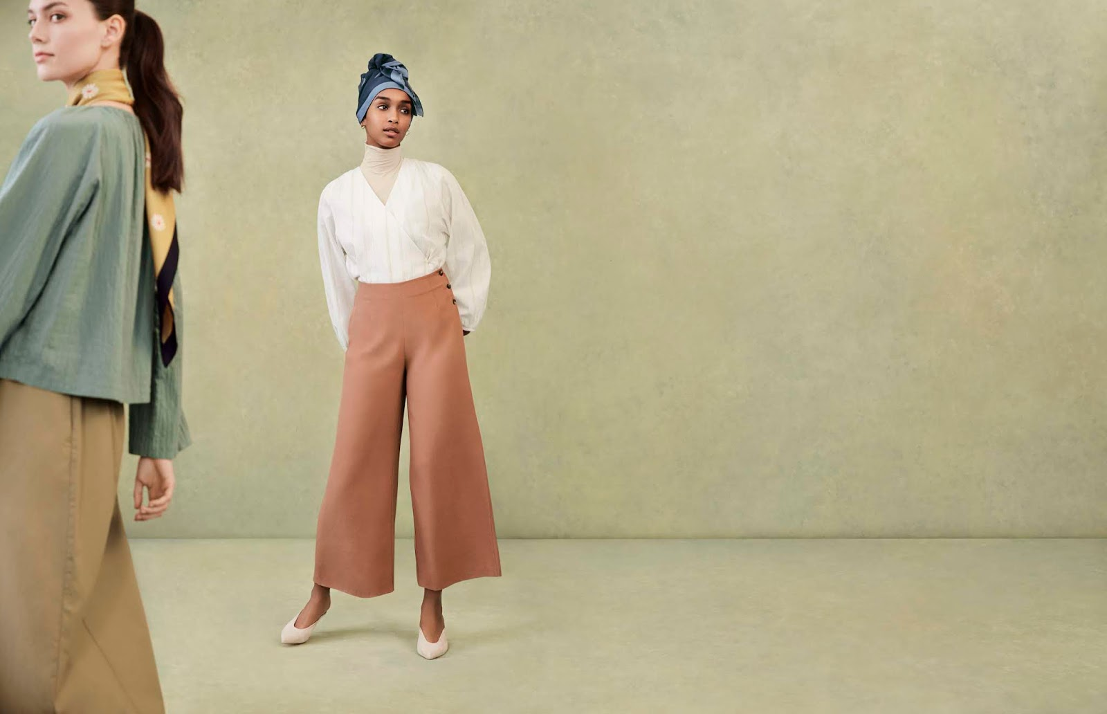 9f64afad9 Uniqlo and UK-born fashion designer Hana Tajima are pleased to present the  2019 Spring /Summer HANA TAJIMA FOR UNIQLO collection. Embodying a rich  sense of ...
