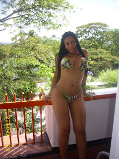 Mamasita colombiana caliente en la webcam 1 - 2 part 5