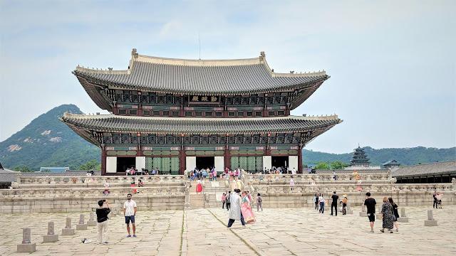 Seoul Part 1 - Gyeongbokgung Palace, Tosokchan, Bukchon Hanok Village & Insadong!