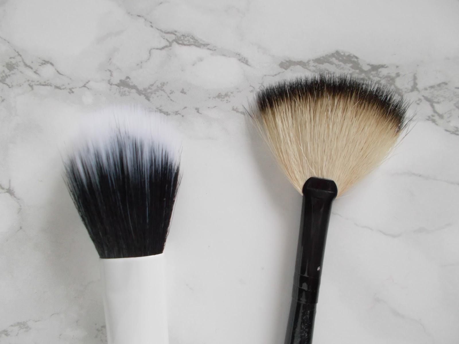 real techniques duo fibre face brush morphe badger deluxe fan brush review